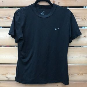 Nike | black dri fit t shirt